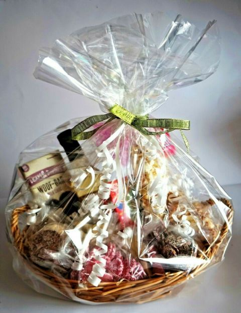 GIFT WRAPPED DOG BIRTHDAY HAMPER WITH BIRTHDAY CAKE CHOCOLATES WINE & POPCORN